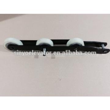 escalator step chain- Hyundai S750,T=135.47, roller is Aluminium base with size 76x22