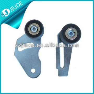 Sliding door roller bracket