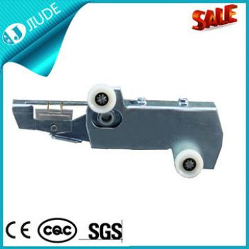 Cheap landing door lock price for lift