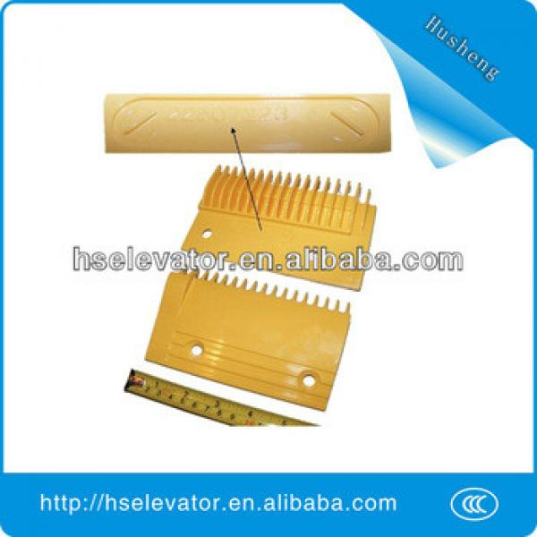 Hitachi escalator Comb Plate 22507223-A escalator yellow strip #1 image